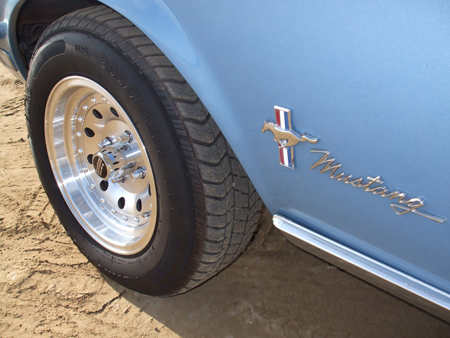 New_Left_Fender_Runnig_Horse_Emblem_And_American_Racing_Outlaw_II_Wheel_View